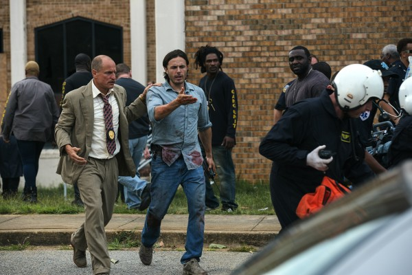 triple-9-woody-harrelson-casey-affleck-600x400