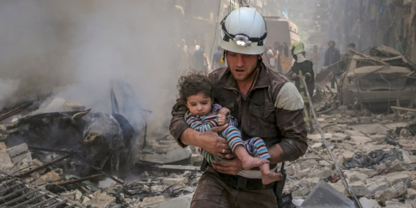 white-helmets-ft-article-header